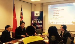 he-speaking-at-the-guangdong-office-2